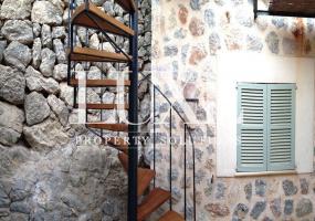 4 Bedrooms, 2 Bathrooms, Villa, Short Term Rental, Deia, Mallorca