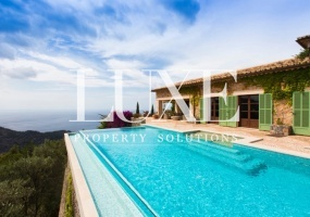 Luxury 6 Bedroom Villa in Deia with sea views